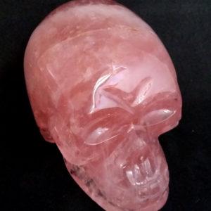 Crâne en quartz rose