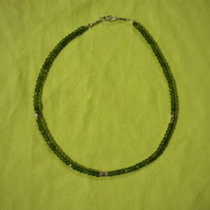 Collier-pierres jade